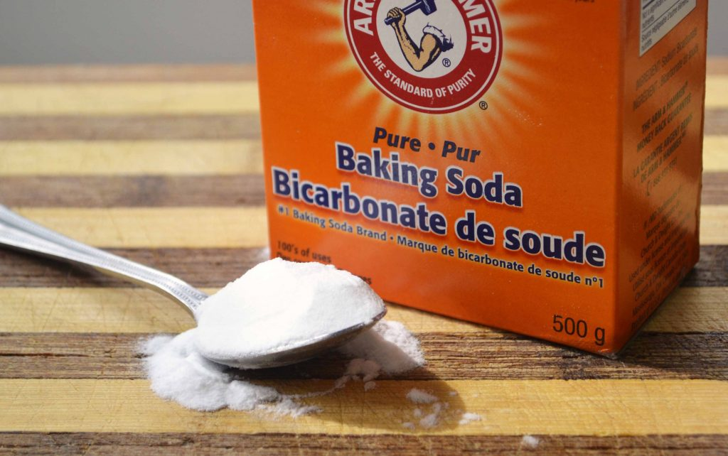 how-to-use-baking-soda-to-clean-face-skin-clean-your-hair-whiten-your-teeth