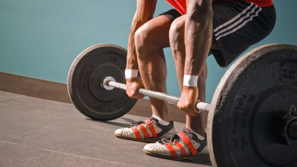 lift heavy weights boost testosterone